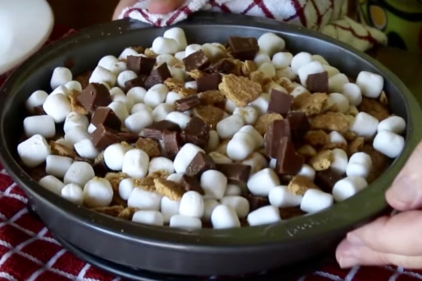 Giant S'mores Chocolate Chip Cookie. – Steve's Kitchen